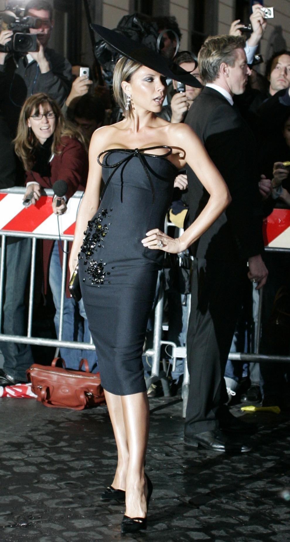 http://www.soundoffcolumn.com/images/Victoria_Beckham_wedding.JPG