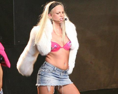 britney spears wardrobe malfunction