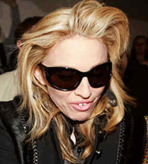 http://www.soundoffcolumn.com/images/madonna_teeth.jpg
